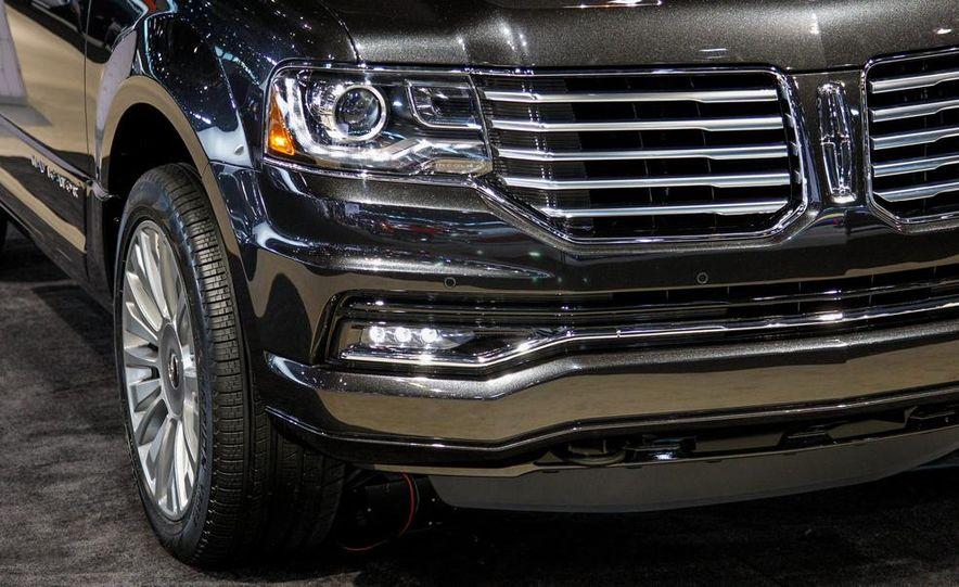 2015 Lincoln Navigator L - Slide 12