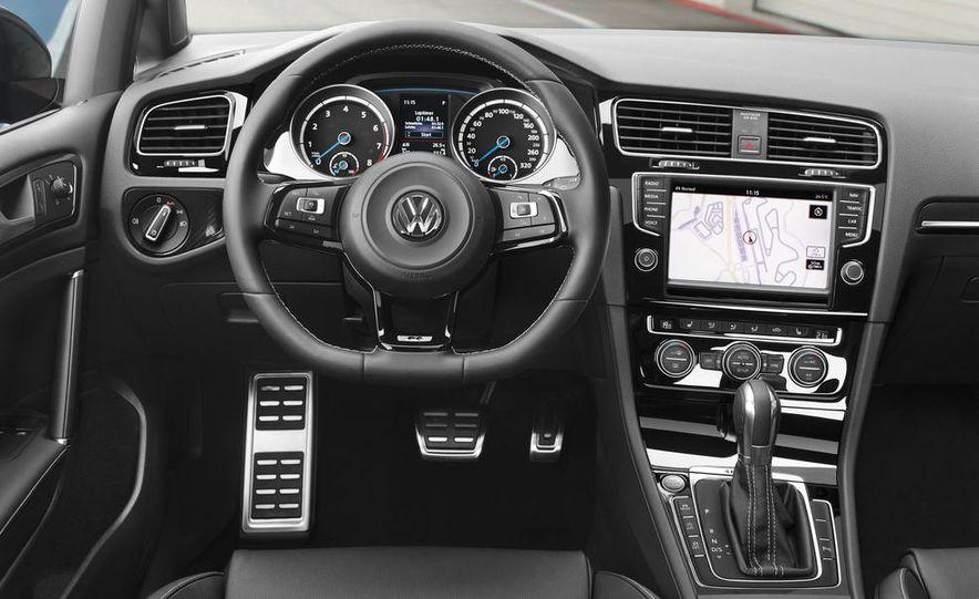 2015 Volkswagen Golf R drive event - Slide 29