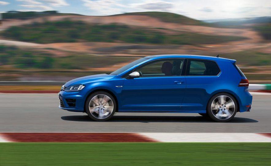 2015 Volkswagen Golf R drive event - Slide 13