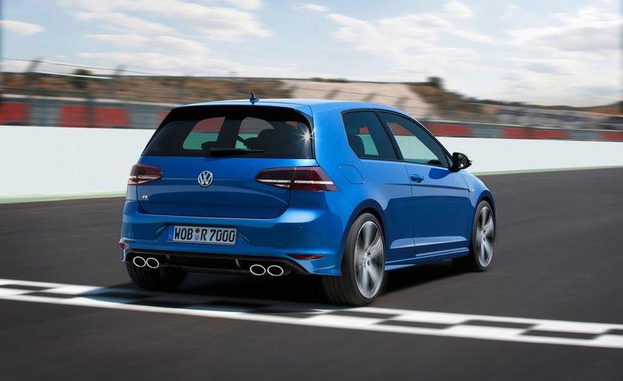2015 Volkswagen Golf R drive event - Slide 14