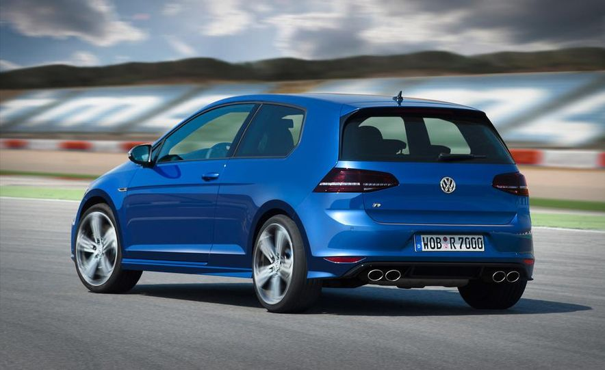 2015 Volkswagen Golf R drive event - Slide 16