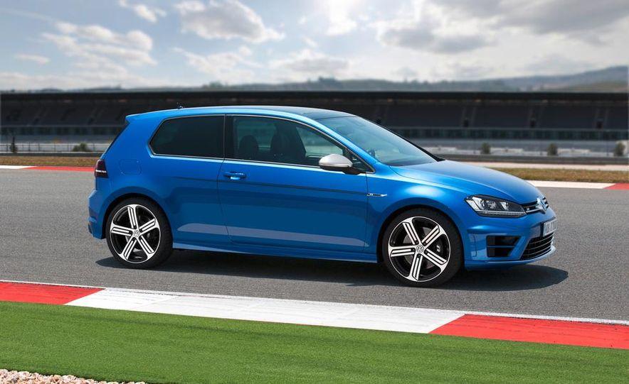 2015 Volkswagen Golf R drive event - Slide 21