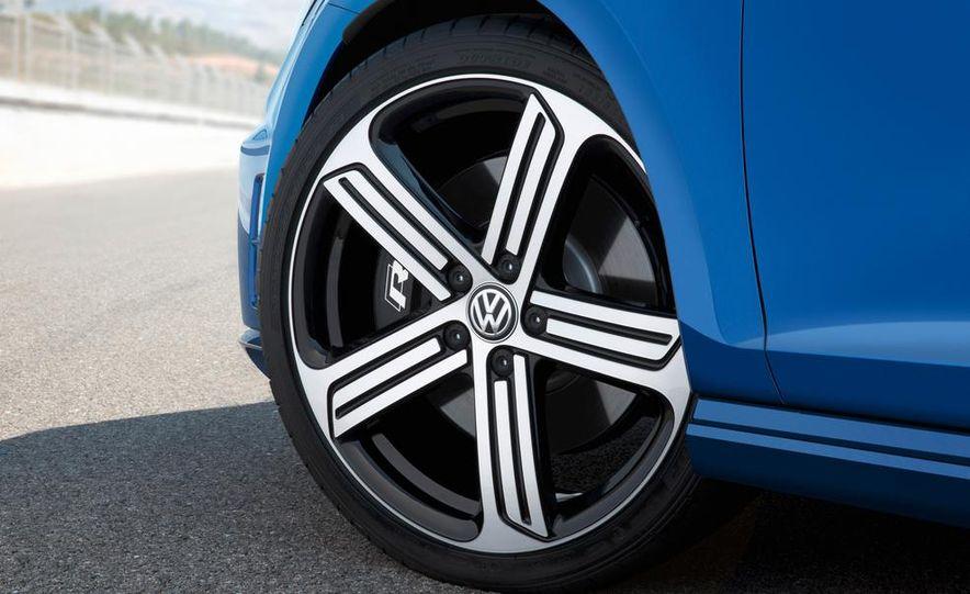 2015 Volkswagen Golf R drive event - Slide 25