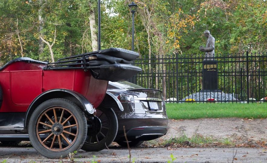 2013 Tesla Model S P85 and 1915 Ford Model T - Slide 89