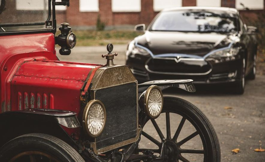 2013 Tesla Model S P85 and 1915 Ford Model T - Slide 92