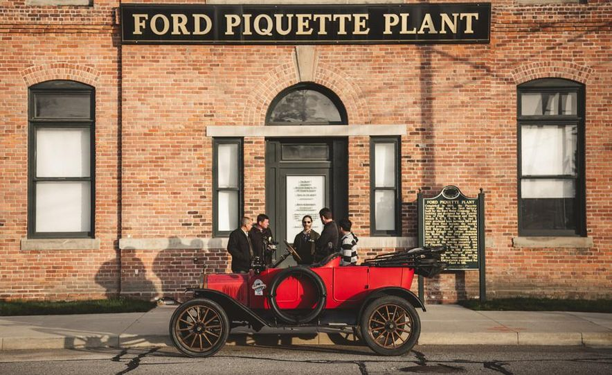 2013 Tesla Model S P85 and 1915 Ford Model T - Slide 11
