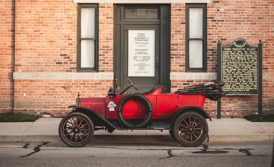 2013 Tesla Model S P85 and 1915 Ford Model T - Slide 12