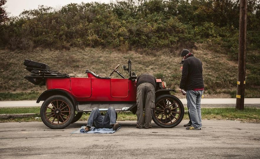 2013 Tesla Model S P85 and 1915 Ford Model T - Slide 59