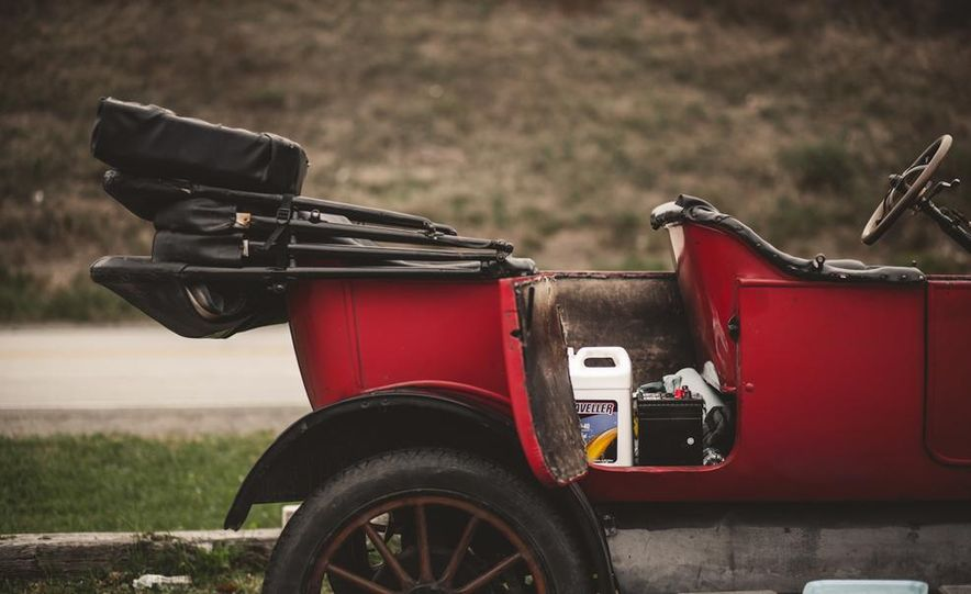 2013 Tesla Model S P85 and 1915 Ford Model T - Slide 60