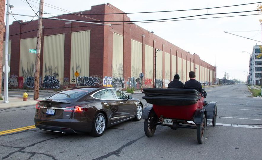 2013 Tesla Model S P85 and 1915 Ford Model T - Slide 9