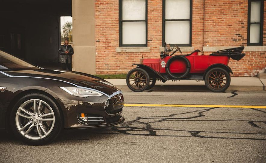 2013 Tesla Model S P85 and 1915 Ford Model T - Slide 10