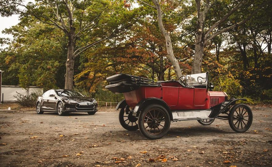 2013 Tesla Model S P85 and 1915 Ford Model T - Slide 84