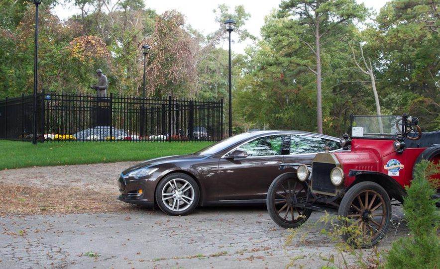 2013 Tesla Model S P85 and 1915 Ford Model T - Slide 87