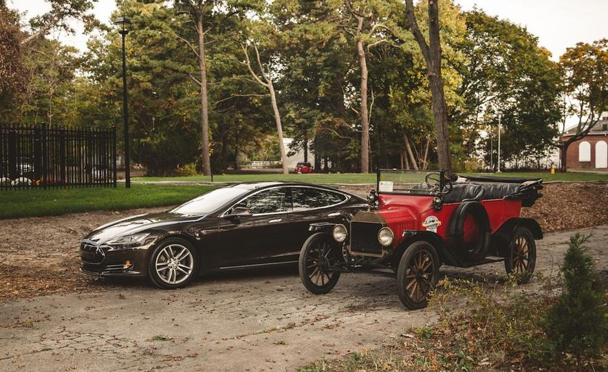 2013 Tesla Model S P85 and 1915 Ford Model T - Slide 90