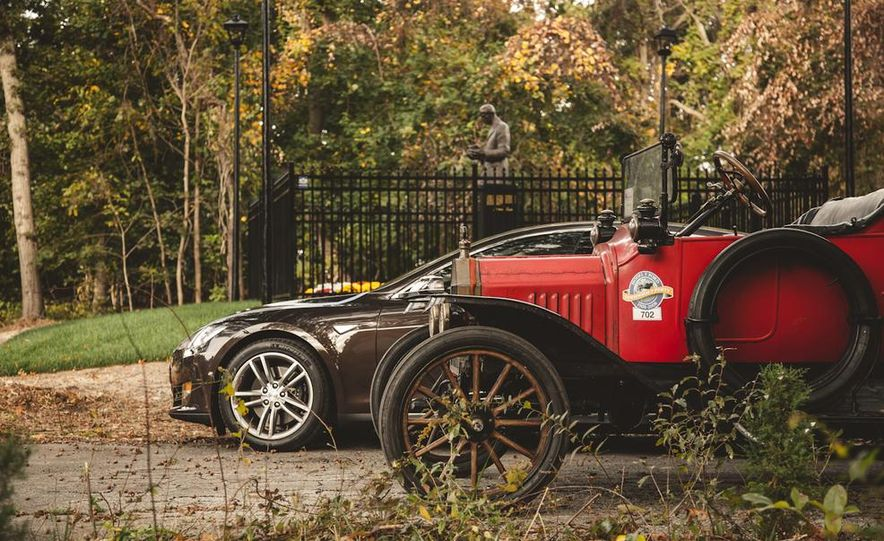 2013 Tesla Model S P85 and 1915 Ford Model T - Slide 91