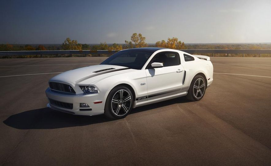 2015 Ford Mustang and GT convertible - Slide 67