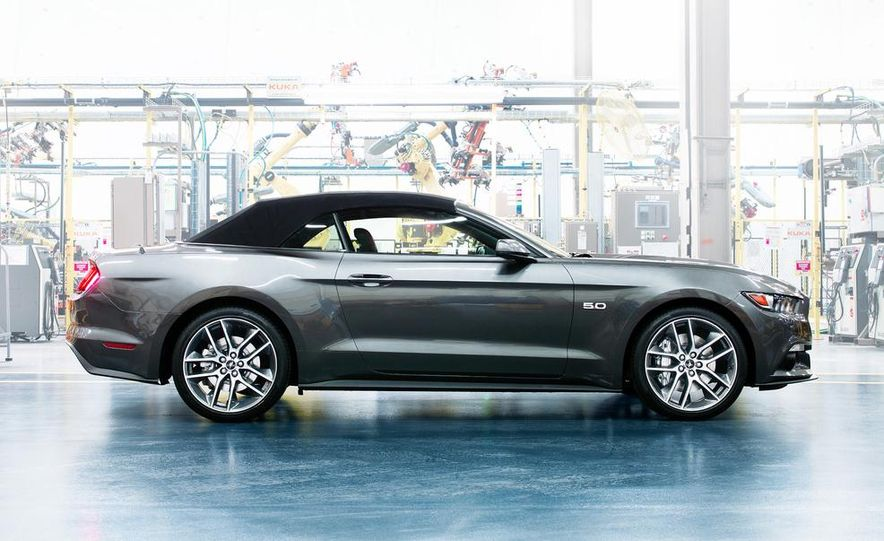 2015 Ford Mustang and GT convertible - Slide 5