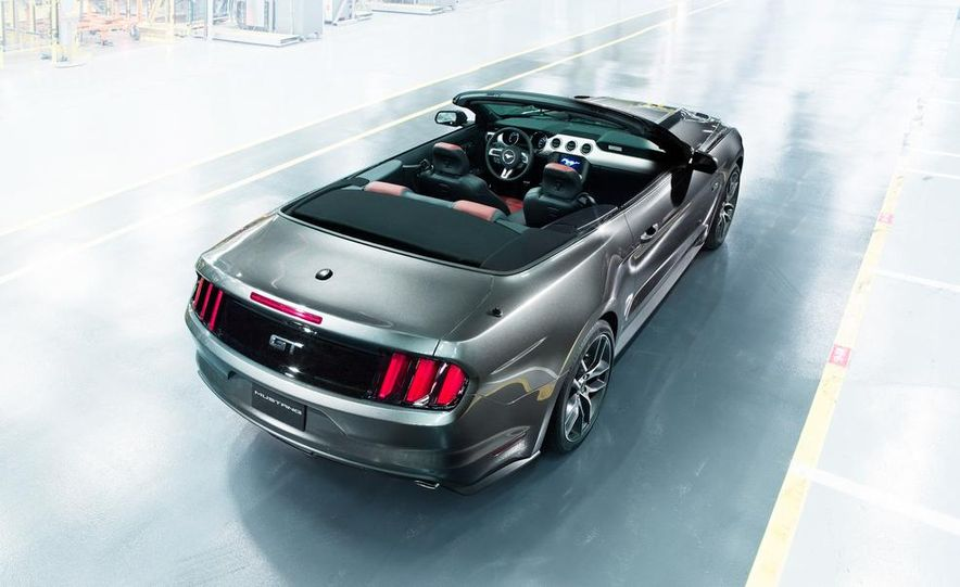 2015 Ford Mustang and GT convertible - Slide 6