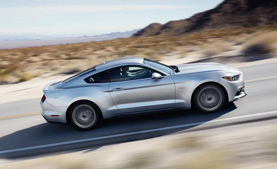 2015 Ford Mustang and GT convertible - Slide 22