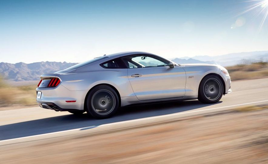 2015 Ford Mustang and GT convertible - Slide 23