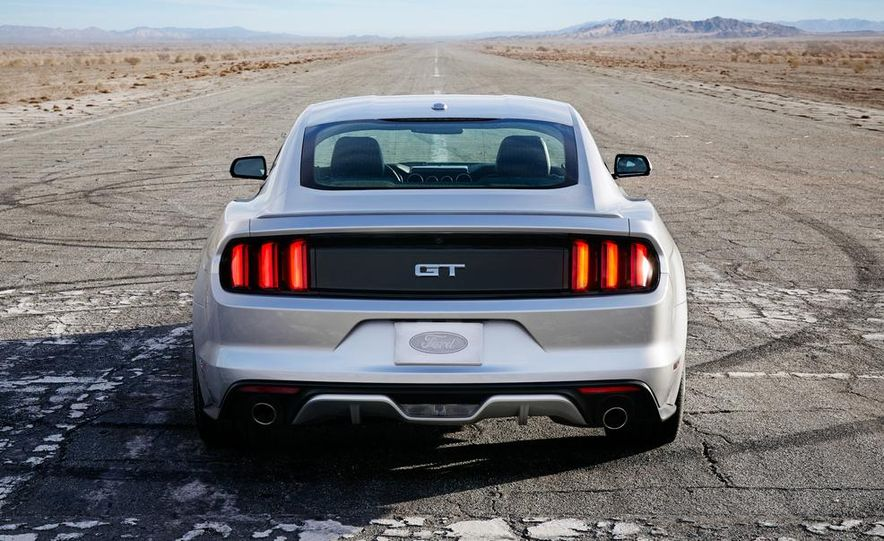 2015 Ford Mustang and GT convertible - Slide 24