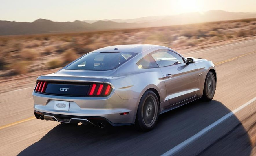 2015 Ford Mustang and GT convertible - Slide 25