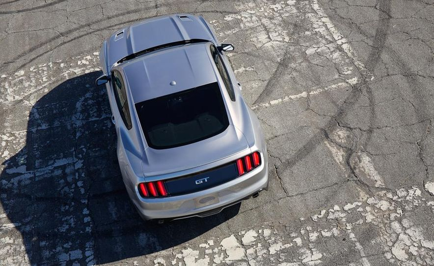 2015 Ford Mustang and GT convertible - Slide 26
