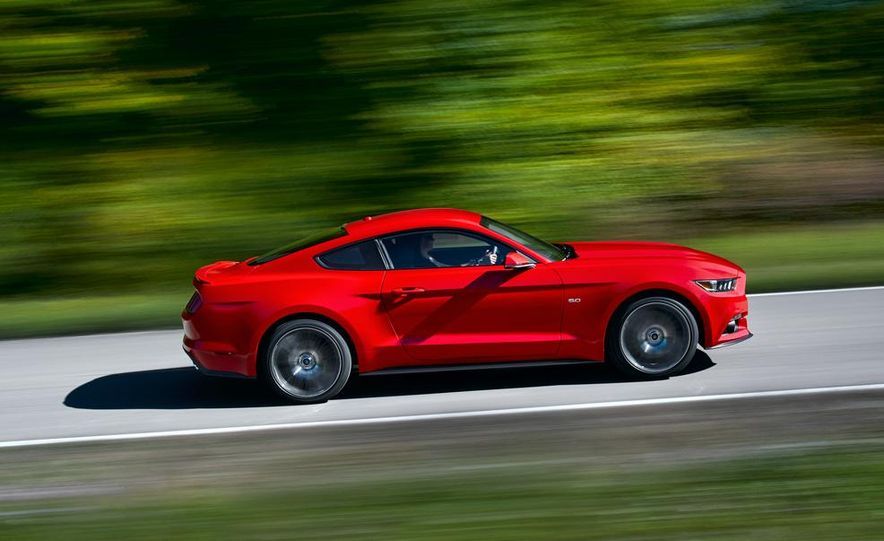 2015 Ford Mustang and GT convertible - Slide 32