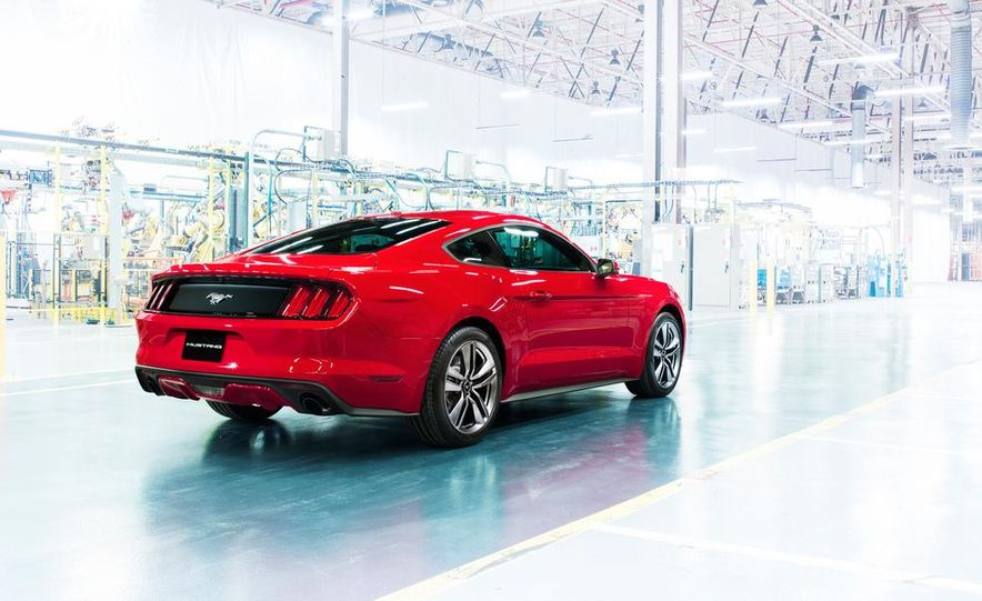 2015 Ford Mustang and GT convertible - Slide 4