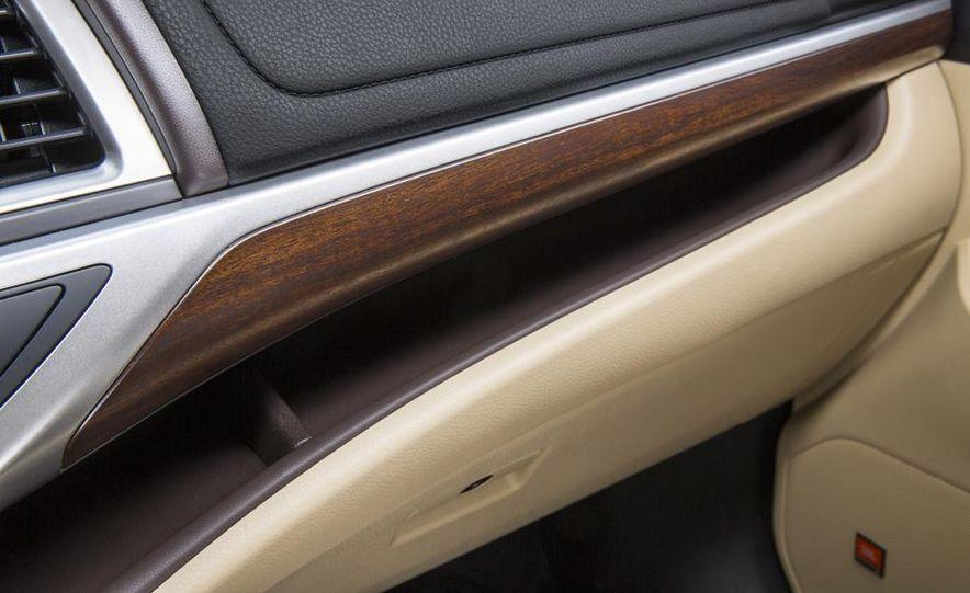 2014 Toyota Highlander Limited AWD - Slide 19