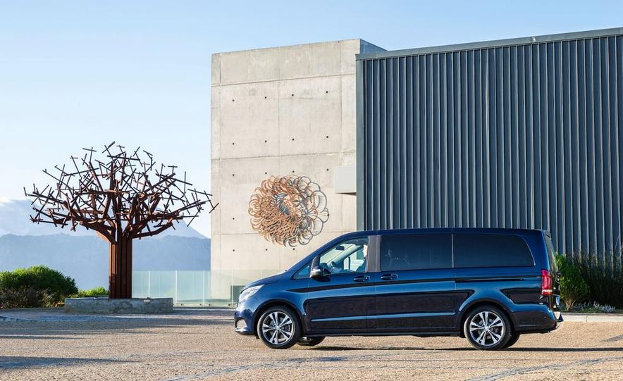 2015 Mercedes-Benz V 250 BlueTec - Slide 9