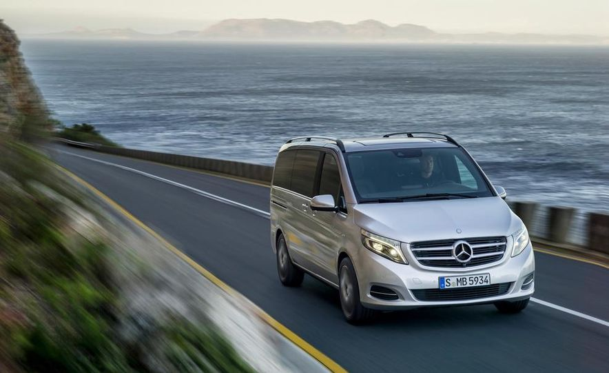 2015 Mercedes-Benz V 250 BlueTec - Slide 16