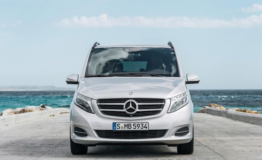 2015 Mercedes-Benz V 250 BlueTec - Slide 19