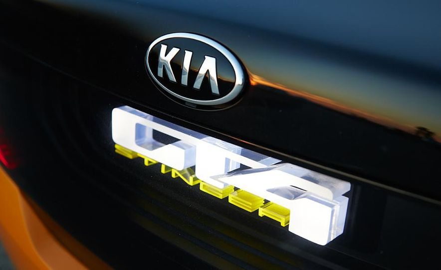 Kia GT4 Stinger concept - Slide 36