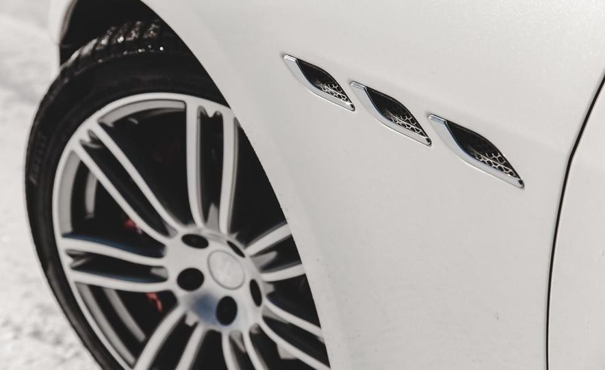 2014 Maserati Ghibli S Q4 - Slide 11