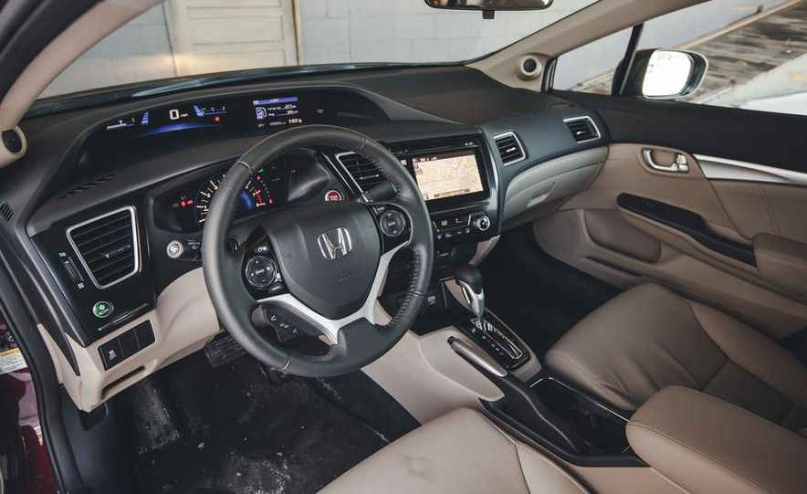 2014 Honda Civic sedan - Slide 21