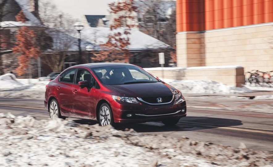 2014 Honda Civic sedan - Slide 1