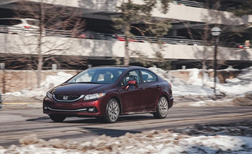 2014 Honda Civic sedan - Slide 3