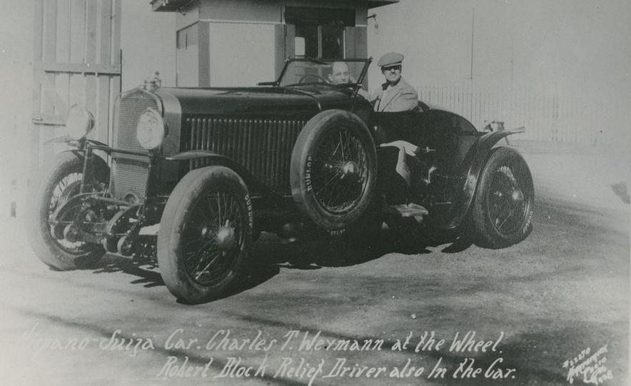 1937 Bugatti Type 57SC Atlantic - Slide 23