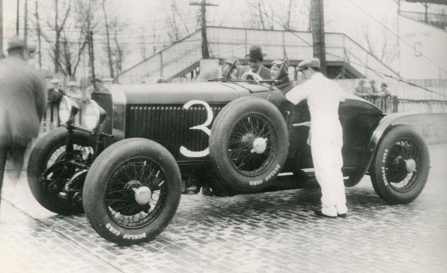 1937 Bugatti Type 57SC Atlantic - Slide 25