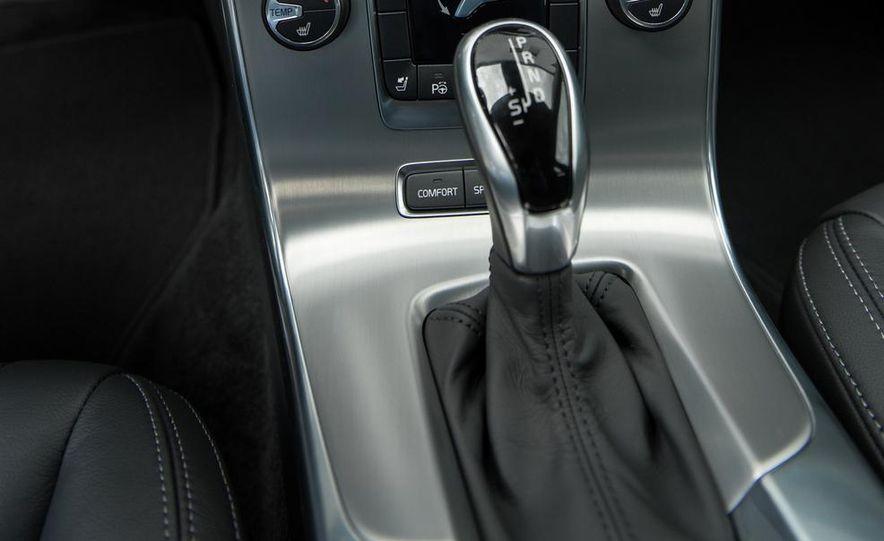 2015 Subaru Legacy - Slide 32