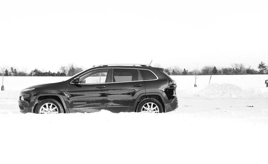 2014 Jeep Cherokee Limited 4x4 - Slide 13