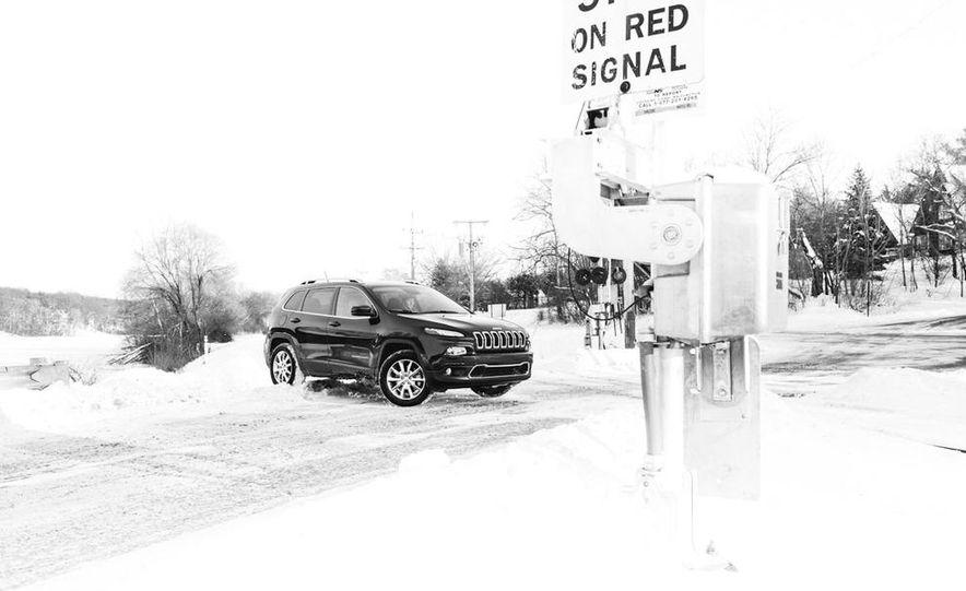 2014 Jeep Cherokee Limited 4x4 - Slide 18