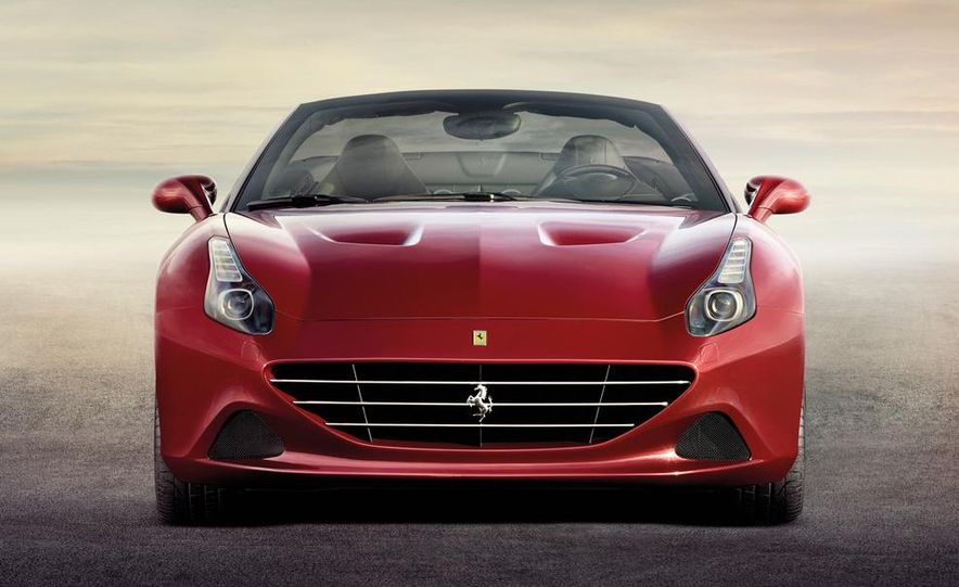 2015 Ferrari California T - Slide 2