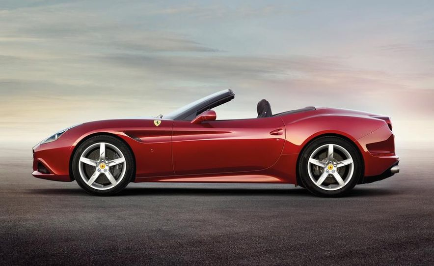 2015 Ferrari California T - Slide 4