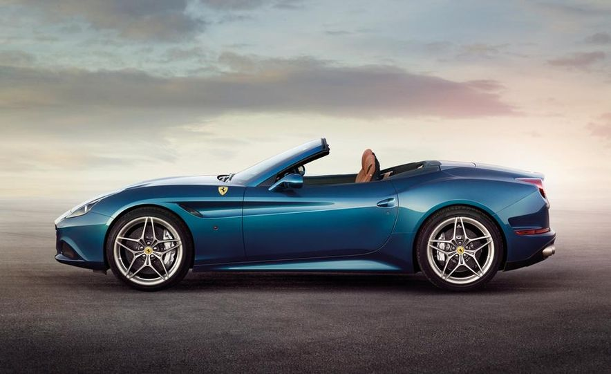 2015 Ferrari California T - Slide 6
