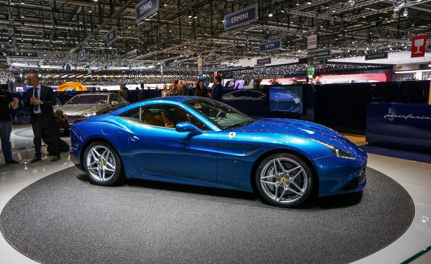 2015 Ferrari California T - Slide 10