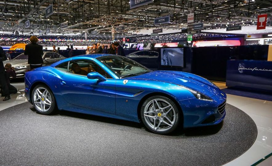 2015 Ferrari California T - Slide 11