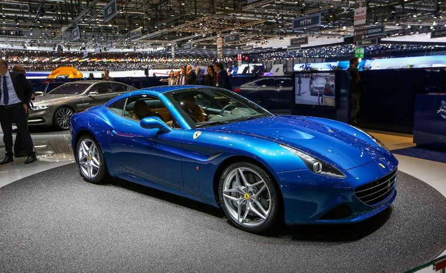 2015 Ferrari California T - Slide 12