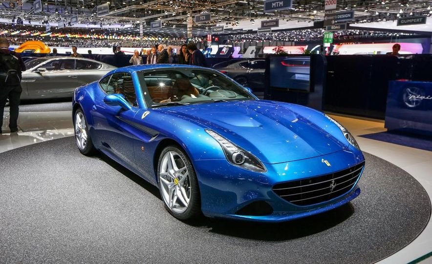 2015 Ferrari California T - Slide 14
